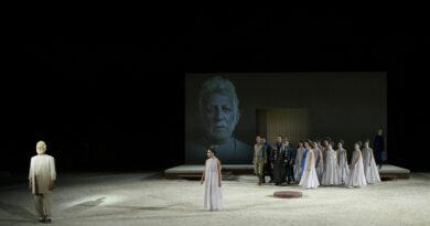 """Η Άποψή μας για την παράσταση """"Φοίνισσες"""" σε σκηνοθεσία Γιάννη Μόσχου από το Εθνικό Θέατρο"""